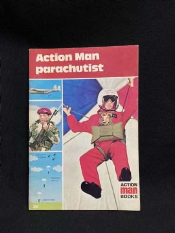 ACTION MAN BOOK - ACTION MAN PARACHUTIST